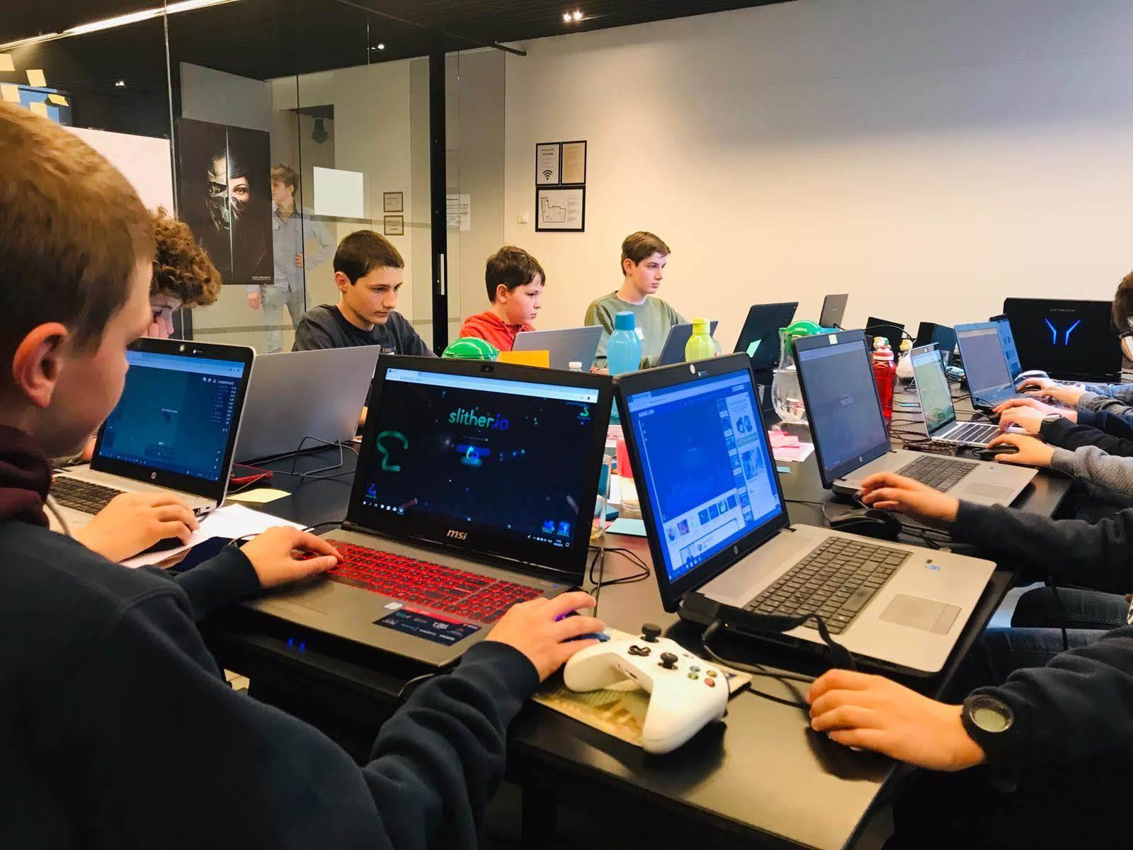 [2022] Jonge ondernemers: games - Pasen - Gent (Hostel De Draecke)